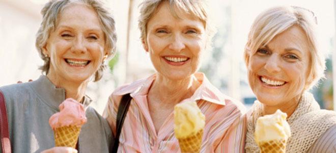 ¿Cómo cuidar tu salud bucodental cuándo atraviesas la menopausia?